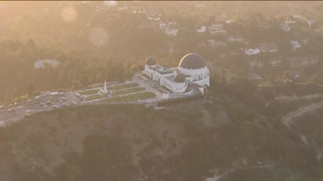 aerial view of griffith observatory - griffith observatory stock videos & royalty-free footage