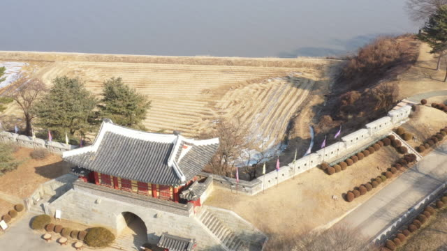 aerial view of gwangseongbo fortress (one of the best spots in ganghwa-do island) in ganghwado island, incheon - 復元する点の映像素材/bロール