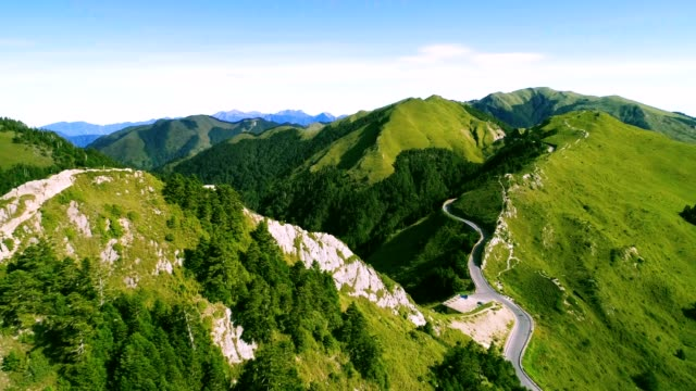 aerial view of hehuanshan and qilai mountain on the trail entrance of shihmen mountain - taiwan stock videos and b-roll footage
