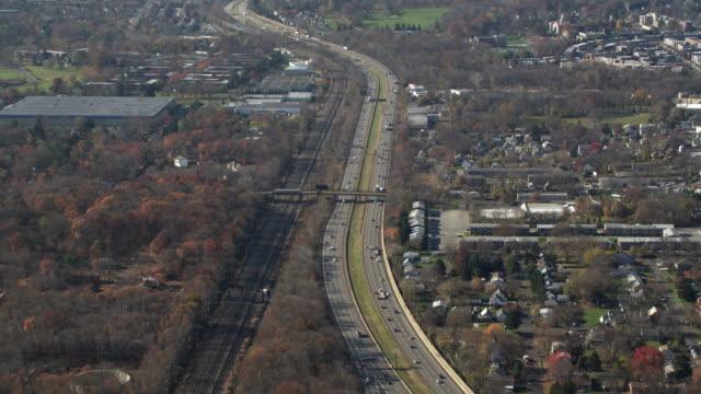 vídeos y material grabado en eventos de stock de aerial view of highway 95 headed towards philadelphia, pa. shot in 2011. - philadelphia pennsylvania