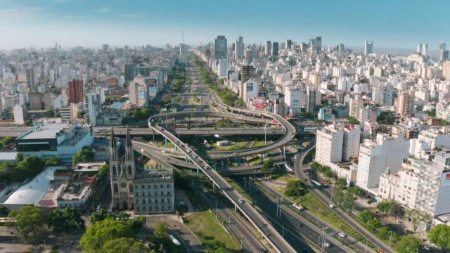 vídeos de stock e filmes b-roll de aerial view of highway interchange - buenos aires