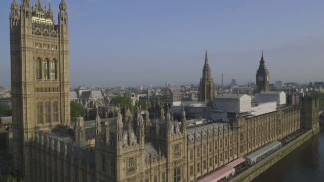aerial view of houses of parliament - houses of parliament london stock videos & royalty-free footage