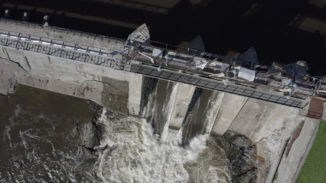 aerial view of hydro electricity dam - hydroelectric power stock videos & royalty-free footage