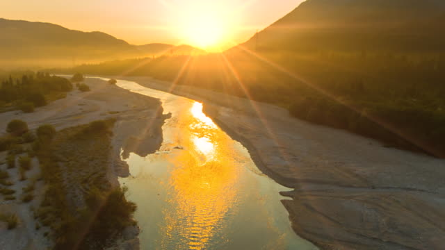 ws aerial view of isar river at sunrise - bavaria stock videos & royalty-free footage