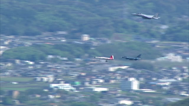 aerial view of japan's first stealth fighter the mitsubishi x2 shinshin which has been developed by the japanese ministry of defense technical... - mcdonnell douglas f 15 eagle stock videos & royalty-free footage