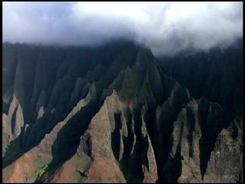 aerial view of kauai, hawaii - na pali coast state park stock videos & royalty-free footage