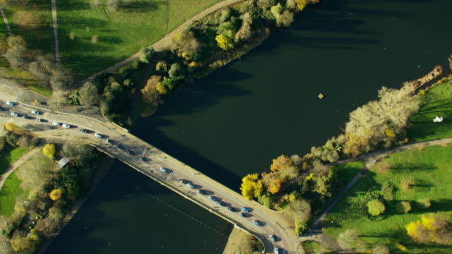 aerial view of kensington gardens london uk - kensington und chelsea stock-videos und b-roll-filmmaterial