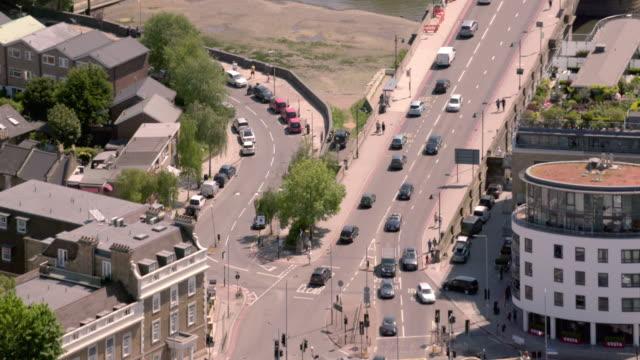 キュー ブリッジ、英国ロンドンでテムズ川の眺め.4 k - キュー点の映像素材/bロール