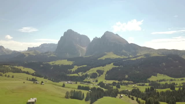 aerial view of langkofel (sassopiatto and sassolungo) - seiser alm - dolomites - scilia stock videos & royalty-free footage