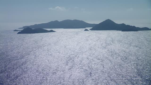 vídeos de stock e filmes b-roll de aerial view of ïles des saintes islands. - índias ocidentais