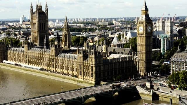 vidéos et rushes de vue aérienne de londres - london bridge angleterre