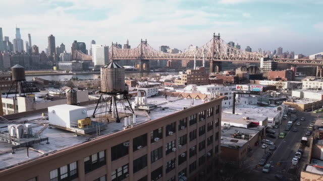 aerial view of long island city, queens - queens stock-videos und b-roll-filmmaterial