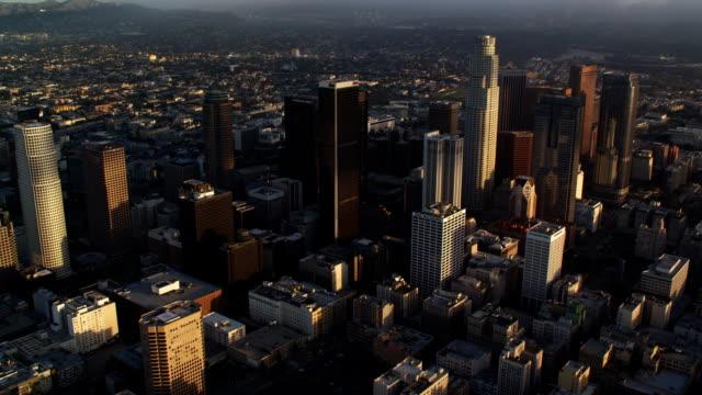 vídeos y material grabado en eventos de stock de aerial view of los angeles downtown skyscrapers. shot in october 2010. - artbeats