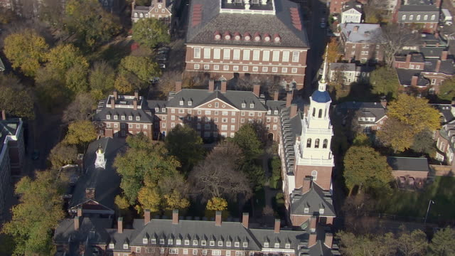 aerial view of lowell house in harvard university, cambridge, massachusetts, united states of america - boston massachusetts stock-videos und b-roll-filmmaterial