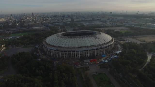 vídeos de stock, filmes e b-roll de aerial view of luzhniki stadium during reconstruction - russia