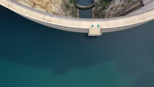 aerial view of manavgat dam - concrete stock videos & royalty-free footage