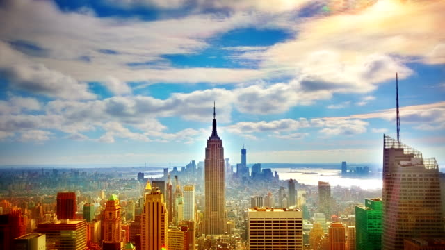 veduta aerea di manhattan, new york city. - empire state building video stock e b–roll