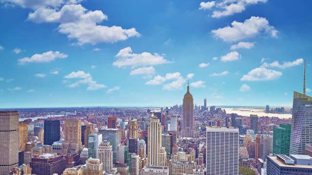 Flygfoto över Manhattan skyline i solnedgången, New York City, USA