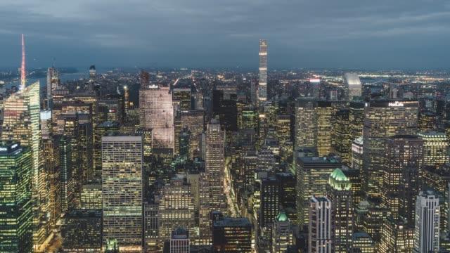 stockvideo's en b-roll-footage met t/l td antenne uitzicht op de skyline van manhattan / nyc, verenigde staten - opeenvolgende serie