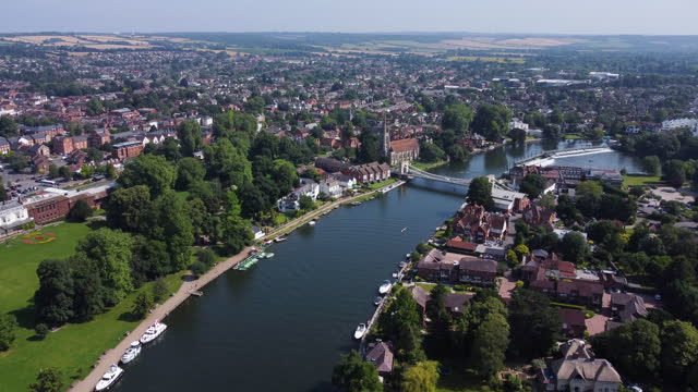 aerial view of marlow, on the river thames, buckinghamshire. tracking-in. - non urban scene stock videos & royalty-free footage