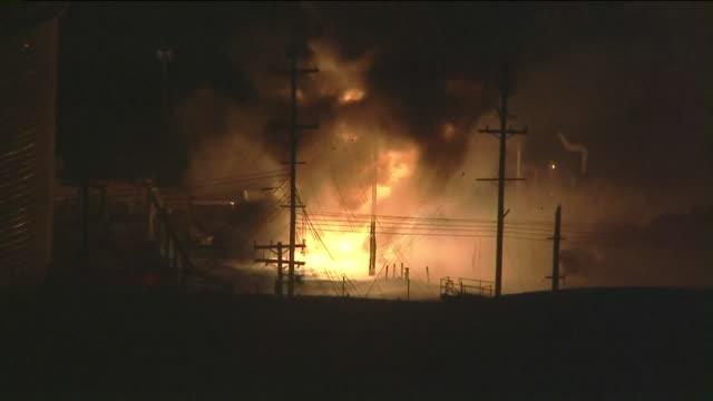 ktla aerial view of massive blaze at chevron refinery in el segundo - el segundo stock videos and b-roll footage
