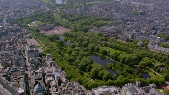 aerial view of mayfair, london, uk. 4k - buckingham stock videos & royalty-free footage
