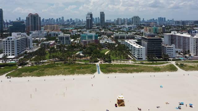 vidéos et rushes de aerial view of miami beach and city at daytime, florida - miami