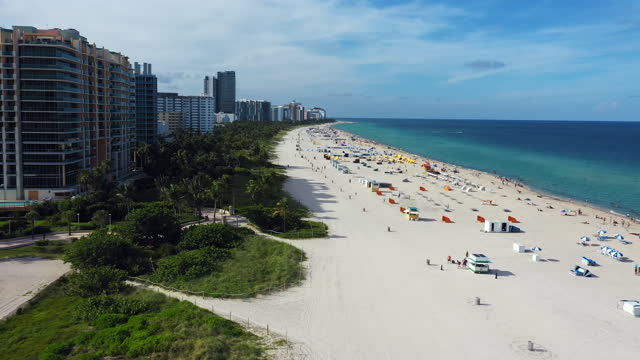 vidéos et rushes de aerial view of miami beach with people at daytime, florida - miami