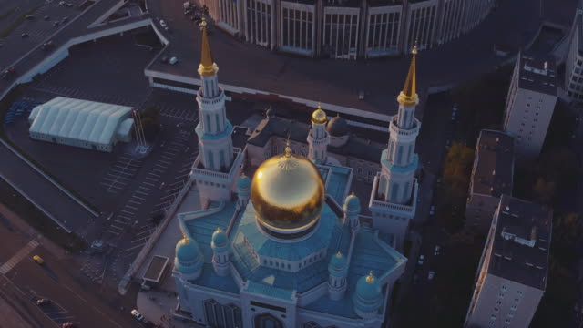 aerial view of moscow cathedral mosque in front of olympic stadium - moscow russia stock-videos und b-roll-filmmaterial