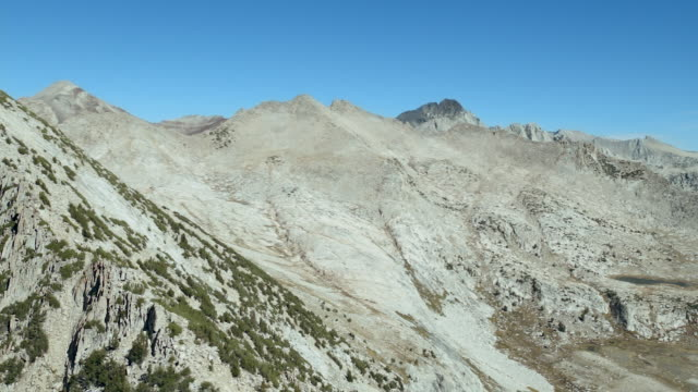 aerial view of mount izaak walton, one of the peaks in the john muir wilderness area of the sierra nevadas, california. - wilderness area stock videos & royalty-free footage