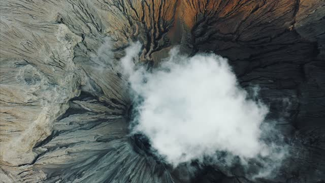 vídeos de stock e filmes b-roll de aerial view of mount semeru volcano, mount bromo, east java, indonesia - indonesia
