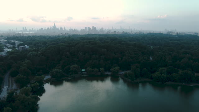 aerial view of new york city from a distance - vanishing point stock videos & royalty-free footage