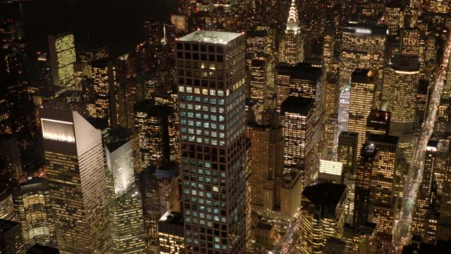 vídeos de stock, filmes e b-roll de aerial view of new york city. mayor city of the usa. - distrito da moda manhattan