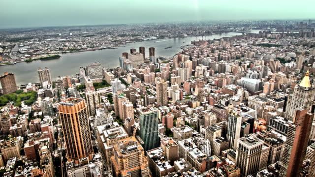 ニューヨーク市のブルックリンの景色を空撮 - 上部分点の映像素材/bロール