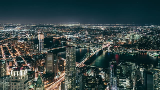 T/L PAN Aerial View of New York Skyline bei Nacht