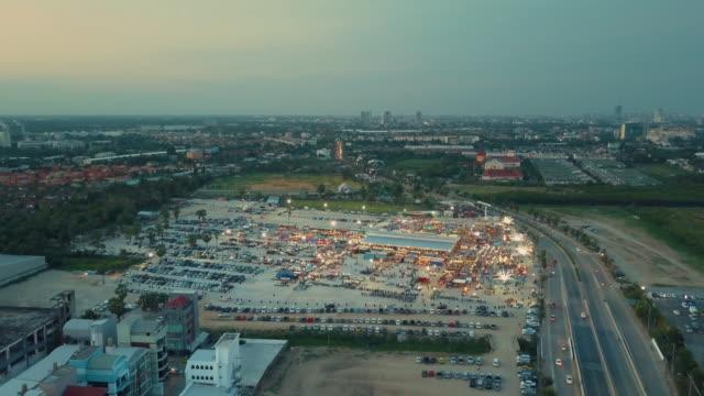 Luftaufnahme der Nachtmarkt