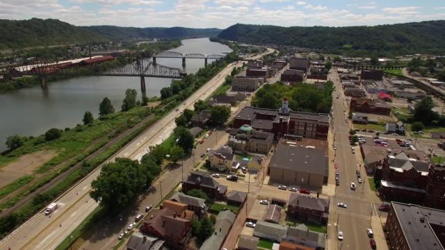 vídeos y material grabado en eventos de stock de aerial view of ohio and the ohio river - río ohio