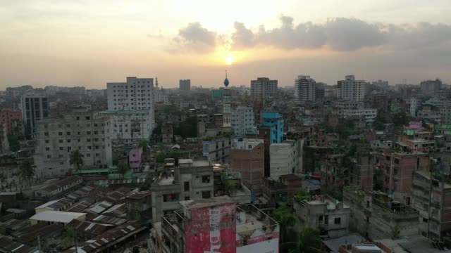 aerial view of old dhaka city in bangladesh - dhaka stock-videos und b-roll-filmmaterial