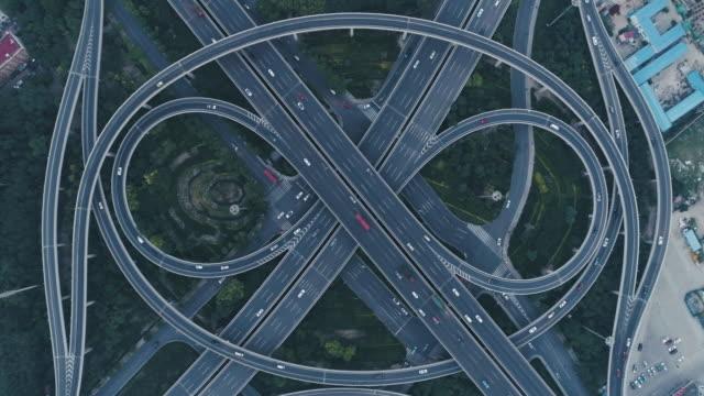 vidéos et rushes de aerial view of overpass - croisement