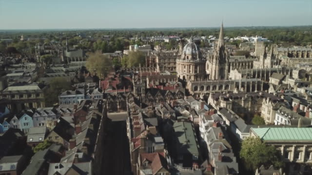 aerial view of oxford - oxford england video stock e b–roll