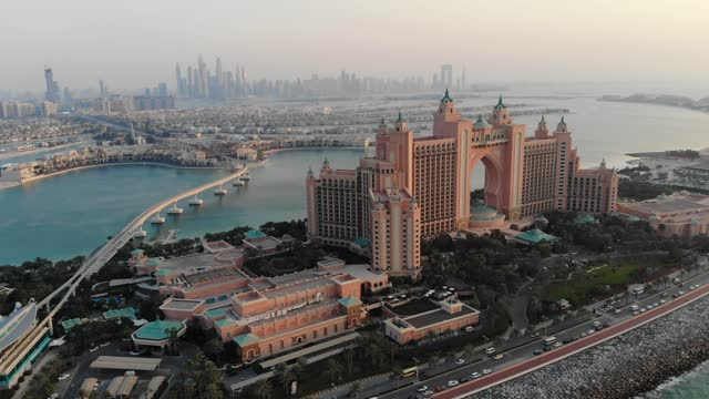 aerial view of palm jumeirah dubai - byggnadskonstruktion bildbanksvideor och videomaterial från bakom kulisserna
