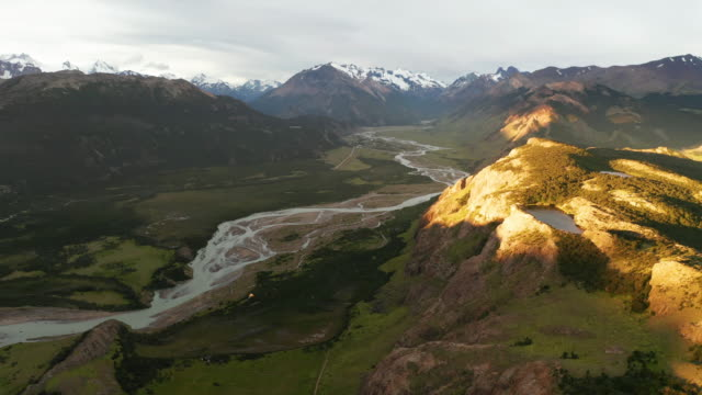 aerial view of patagonian landscape near mount fitz roy at sunset. patagonia, argentina - spanien stock-videos und b-roll-filmmaterial