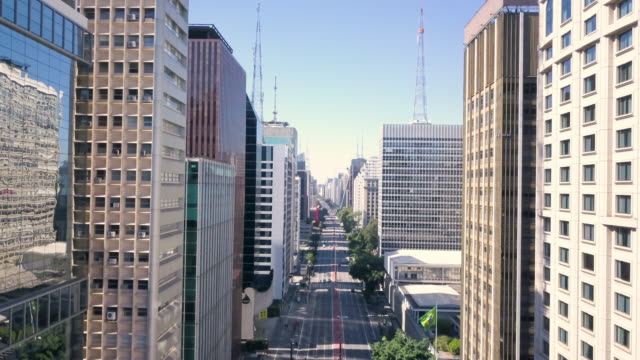aerial view of paulista avenue in sao paulo during covid 19 coronavirus quarantine with drone - 1 de maio stock videos & royalty-free footage