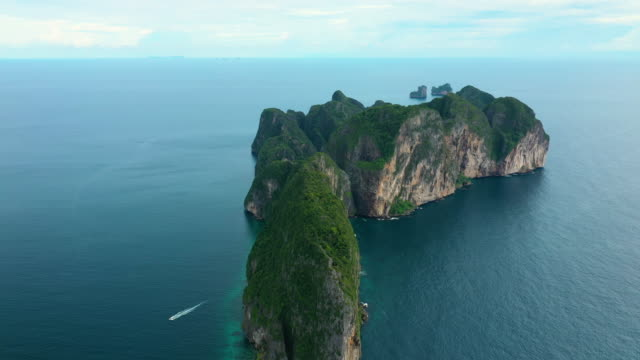 aerial view of phi phi le, phi phi islands, thailand - phi phi le stock videos & royalty-free footage
