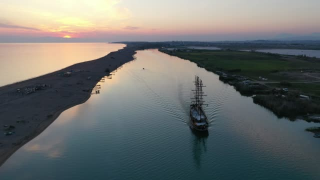 aerial view of pirate ship in river - sailing ship stock videos & royalty-free footage