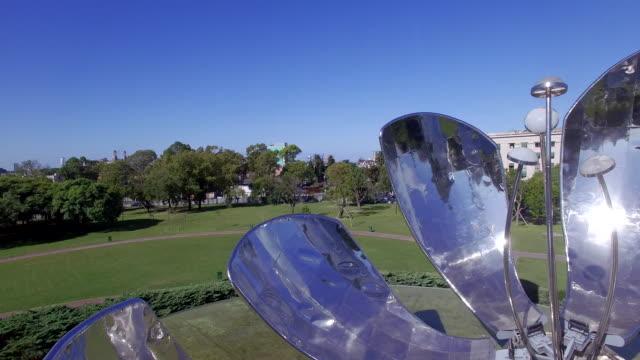 aerial view of plaza naciones unidas flower and park - naciones unidas stock videos & royalty-free footage