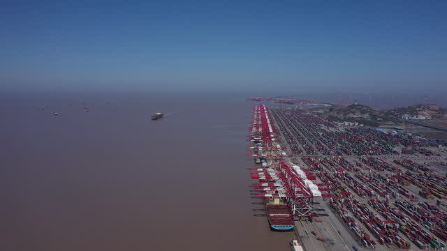aerial view of port of shanghai ahead of trade figures release, in shanghai, china, on friday, april 9, 2021. china is scheduled to release trade... - horizon over water stock videos & royalty-free footage