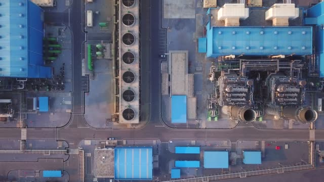 aerial view of power plant - chimica video stock e b–roll