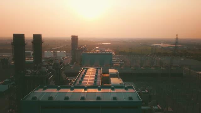 luftaufnahme des kraftwerks - geografische lage stock-videos und b-roll-filmmaterial