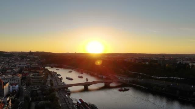 vidéos et rushes de vue aérienne de prague - prague
